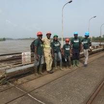 equipe-de-green-connexion-au-barrage-hydroelectrique-d-edea-sur-la-sanaga